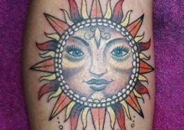 15 Tatuagens Inspiradoras do Sol para comemorar seu dia
