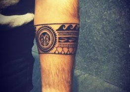 25+ Tatuagens Bracelete e Tudo que Você Precisa Saber