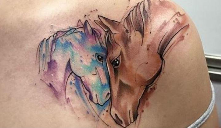 70+ Tatuagens de Cavalos em Homenagem ao Dia Internacional da Cavalaria