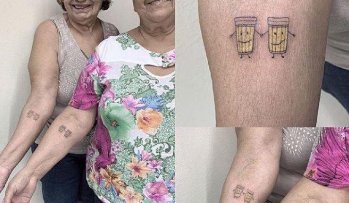 Idosas Fazem Tatuagem de Amigas e Você Não Acredita O Que é