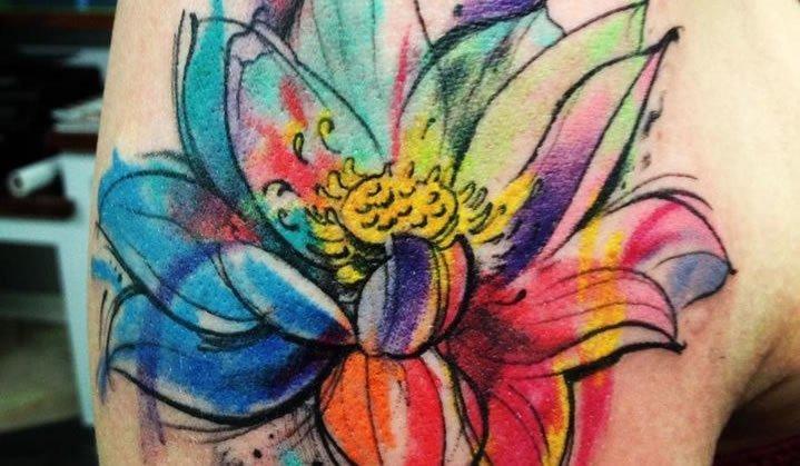 Tatuagem Aquarela: tudo que você precisa saber!