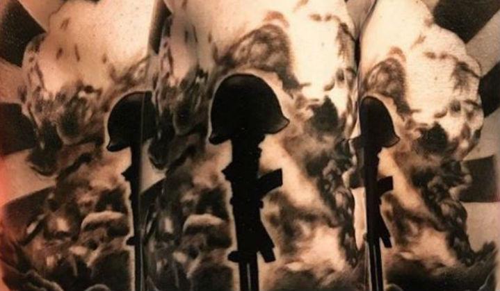 Tatuagens de Bombas e Guerras para esquecermos a Bomba de Hiroshima