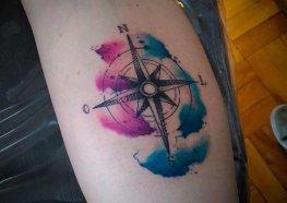 Tatuagens de rosa dos ventos: Curiosidade, Significado e Fotos